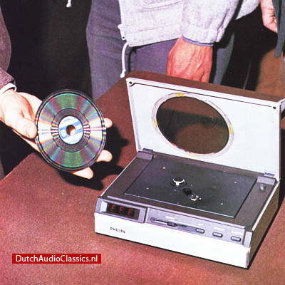Philips Pinkeltje, the first cdplayer prototype which was shown in March 1979 by Joop Sinjou